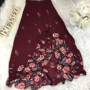 Mi ami floral maxi Hight low skirt size S burgundy